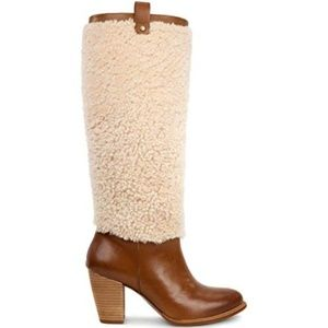 NWT Camel Champagne Ugg Ava Leather Shearling Boot